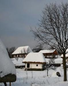 iarna Peste satul romanesc catalin dupu